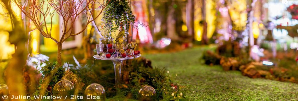 Enchanted Woodland by Zita Elze for Aashni & Co Wedding Show at The Dorchester 2016 photo: Julian Winslow