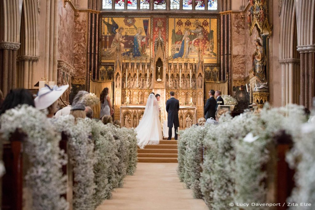 Zita Elze wedding flowers for Olivia and Benedict photo: Lucy Davenport KEW-099_wm