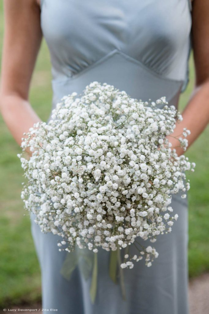Zita Elze wedding flowers for Olivia and Benedict bridesmaid's bouquet photo: Lucy Davenport KEW-116_wm(1)