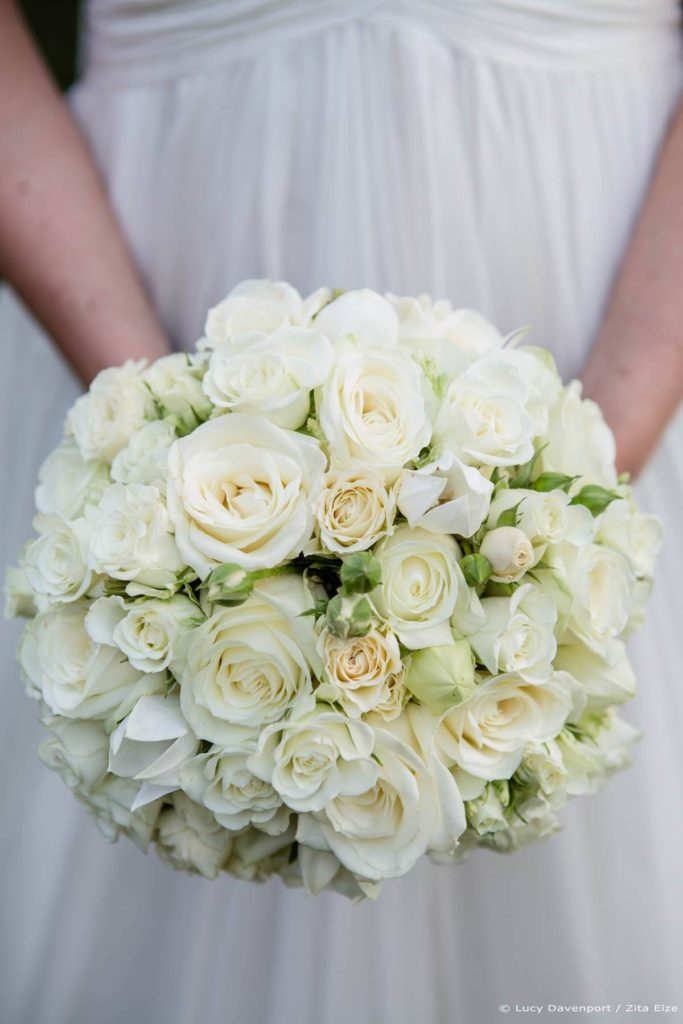 Zita Elze wedding flowers for Olivia and Benedict - bride's bouquet photo: Lucy Davenport KEW-123_wm