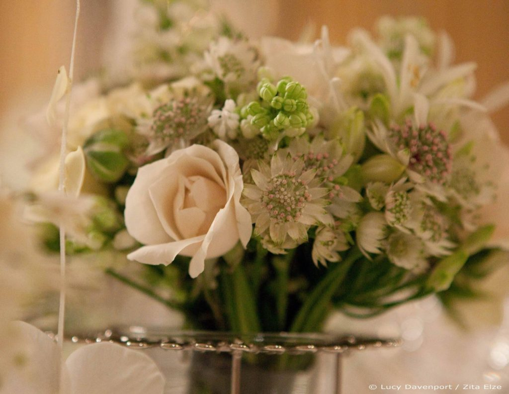 Zita Elze Wedding Flowers at Claridges Photo: Lucy Davenport 435 c_wm