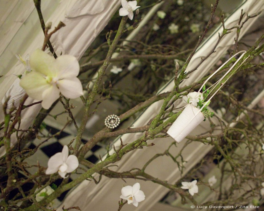 Zita Elze Wedding Flowers at Claridges Photo: Lucy Davenport 507 c_w wm