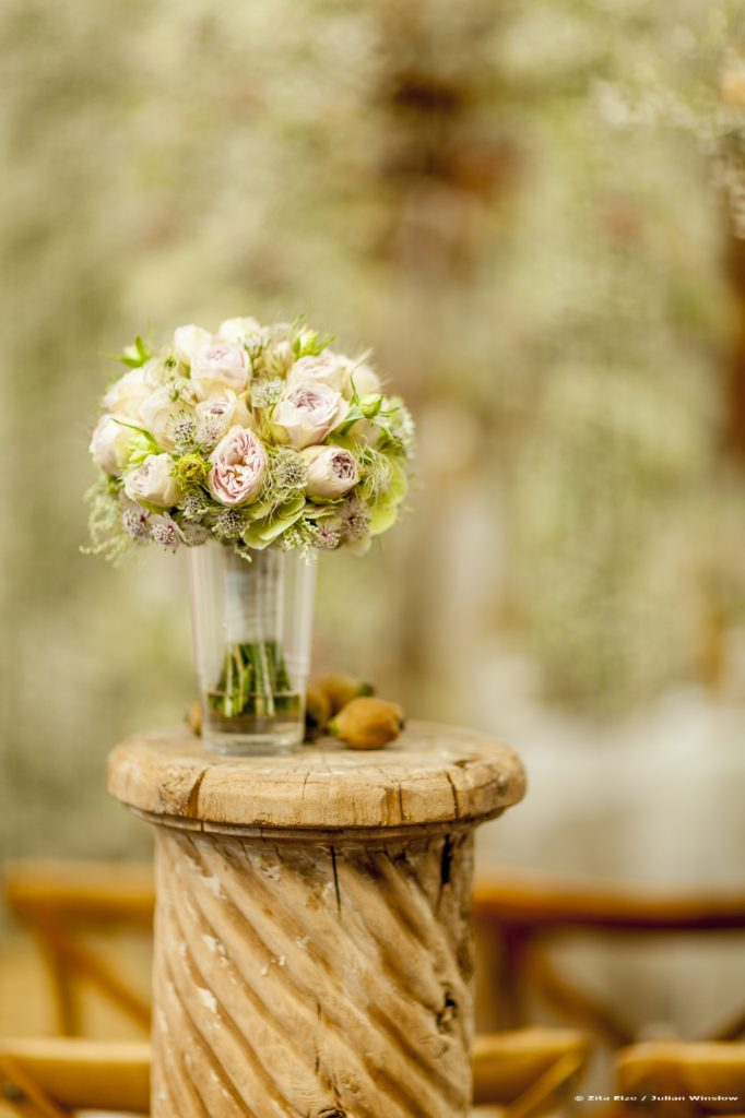 Zita Elze Bridal Bouquet photo: Julian Winslow 6659_wm