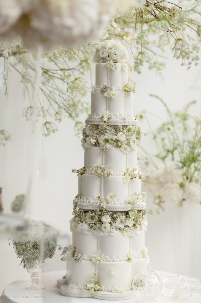 Zita Elze Flowers Brides The Show 2016 with wedding cake by Elizabeth's Cake Emporium decorated with fresh flowers by Zita photo: Julian Winslow -lp-2_wm1