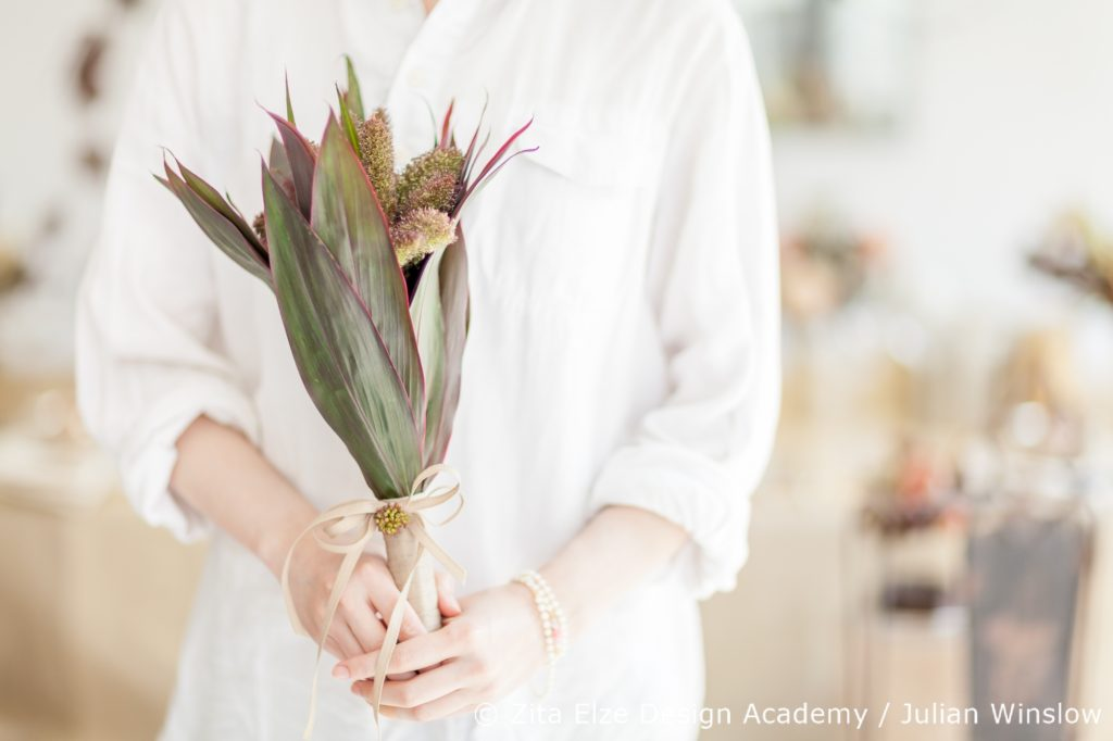 Zita Elze Design Academy Kwak Eun Seo leafy vintage style bridal bouquet Wedding Master Class photo: Julian Winslow
