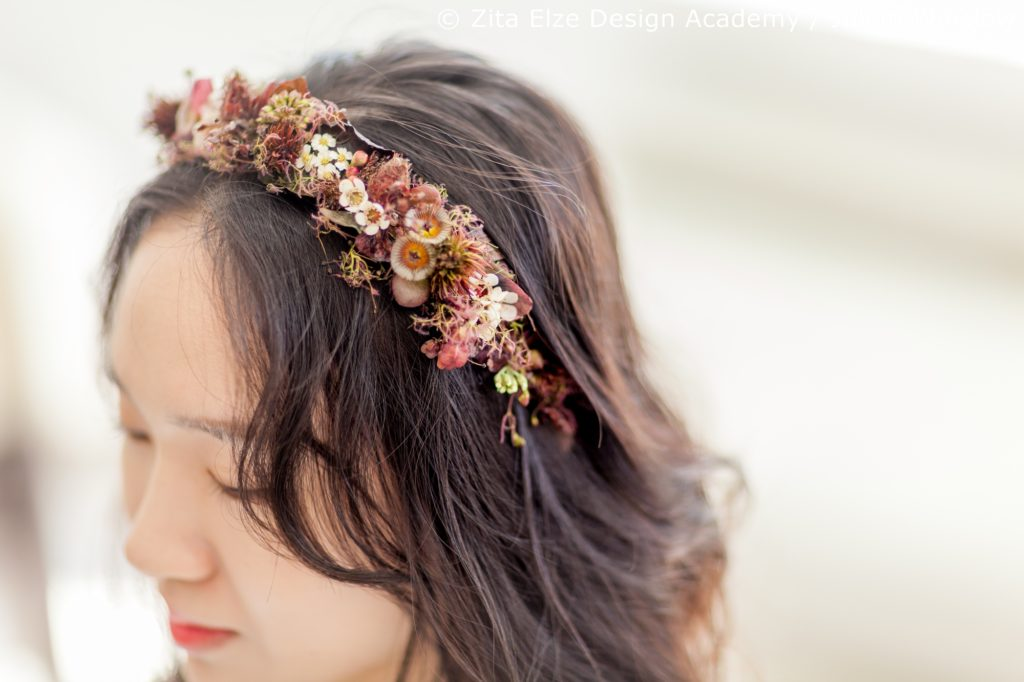 Zita Elze Design Academy Kwak Eun Seo delicate floral headband for a vintage bride Wedding Master Class photo: Julian Winslow