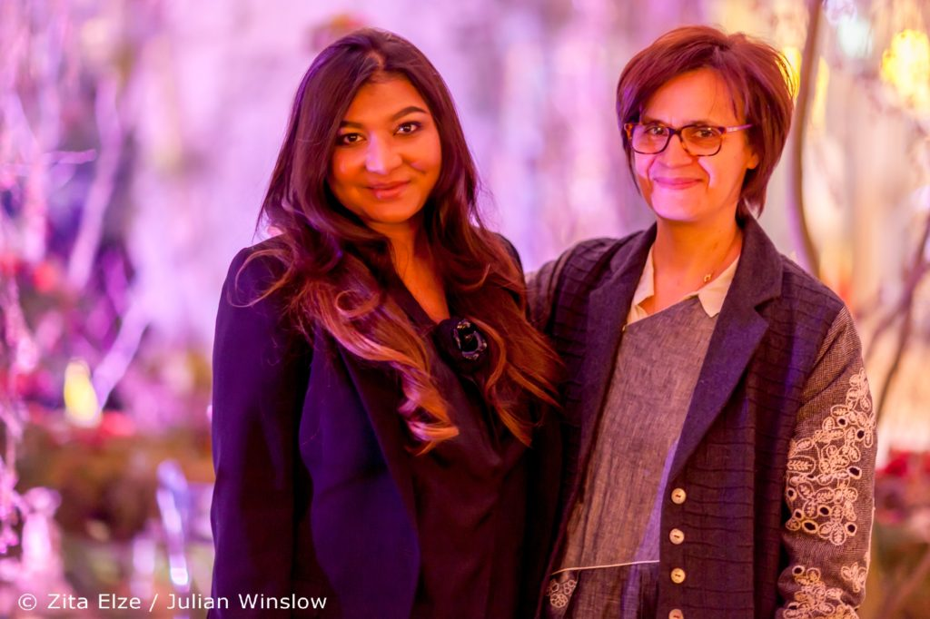 Aashni Shah and Zita Elze, Zita Elze Flowers Aashni + Co Wedding Show at The Dorchester photo: Julian Winslow