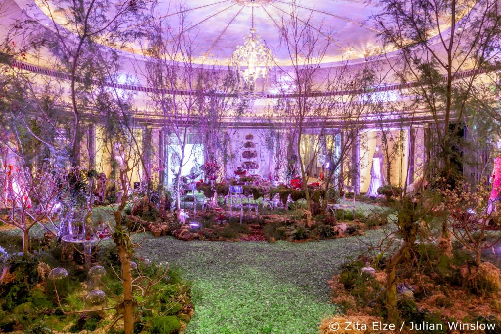 Zita Elze Flowers Aashni + Co Wedding Show The Dorchester photo: Julian Winslow 9322_wm
