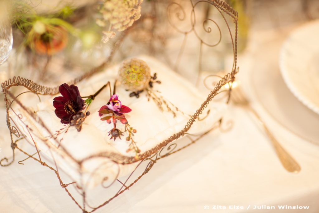 Zita Elze Design Academy Ka Young Kwon Boutonnieres Wedding Design photo: Julian Winslow L-2246 c_wm