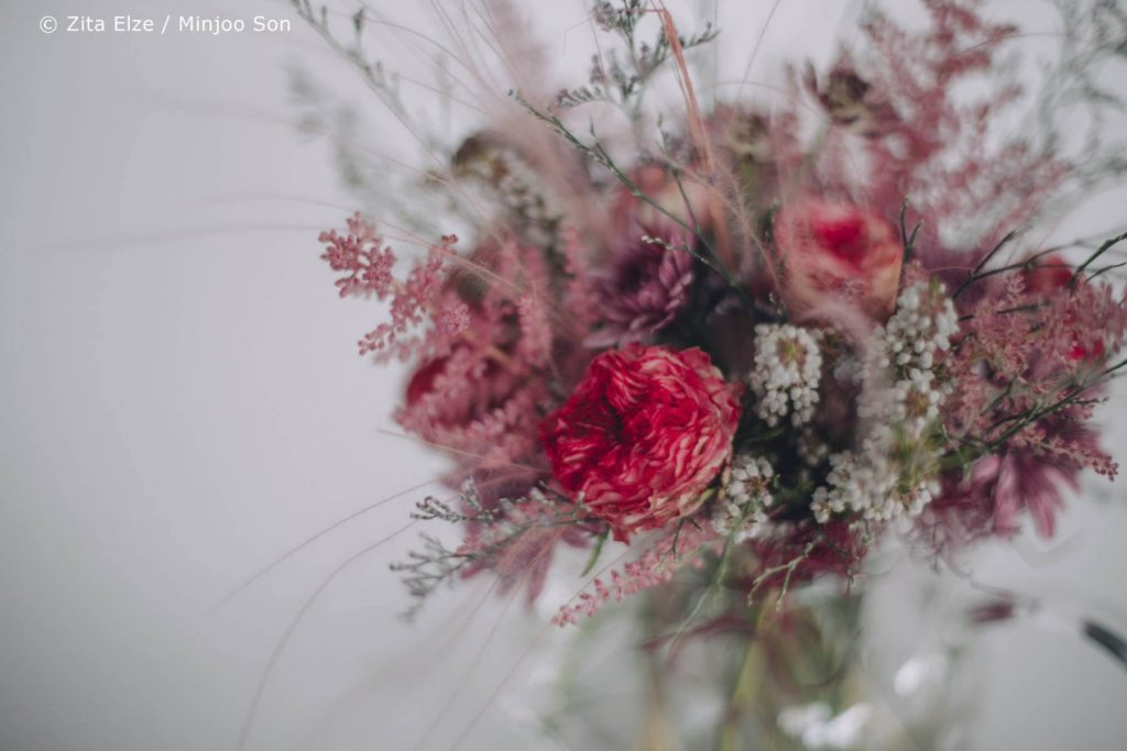 Zita Elze Mothers Day Astilbe, Stipa and Rose bouquet photo: Minjoo Son 1313_wm_L