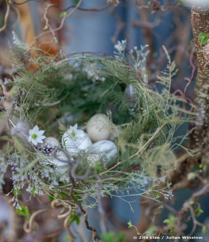 Zita Elze Easter Flowers, shop window with handmade bird's nest, Photo: Julian Winslow LP-23_wm
