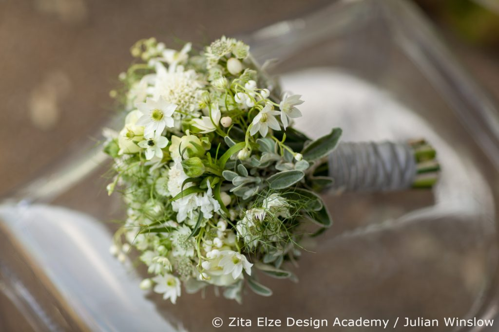 Zita Elze Design Academy Wedding Stories bridal bouquet Photo: Julian Winslow 7510_wm