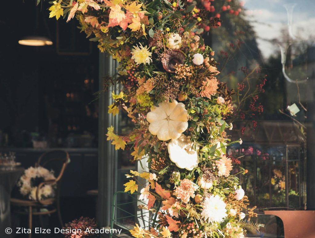 Zita Elze Design Academy Autumn Floral Arch photo: Minjoo Son Oct 2017 151_wm