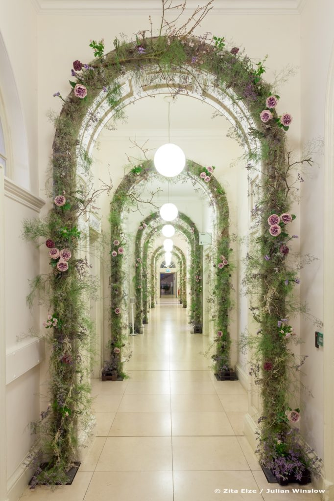 4 Zita Elze Flowers Aashni Wedding Show 2018 Somerset Hse floral arches photo Julian Winslow_wm