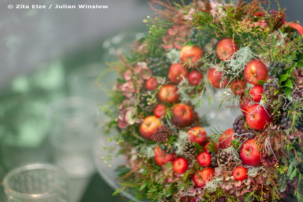 Zita Elze Christmas wreath photo Julian Winslow 1351_wm