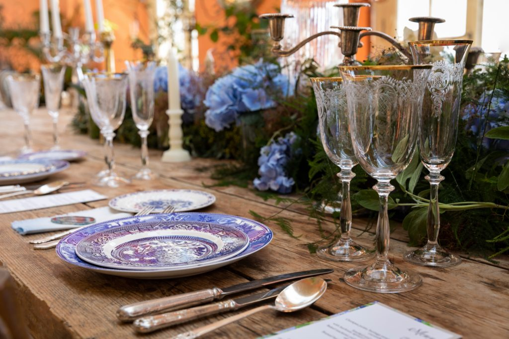 Zita Elze Wedding Flowers - table decorations China Blue shoot with Charlotte Ricard, La Fête